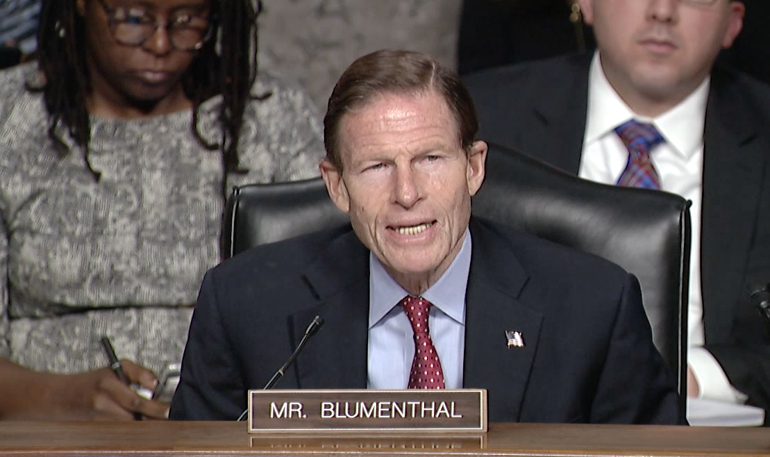 Senator Blumenthal Blasts FCC and FDA For No Research on 5G Safety, Smombie Gate   5G   EMF